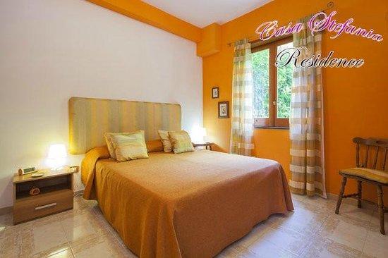 Casa Stefania Residence: Camera Orange