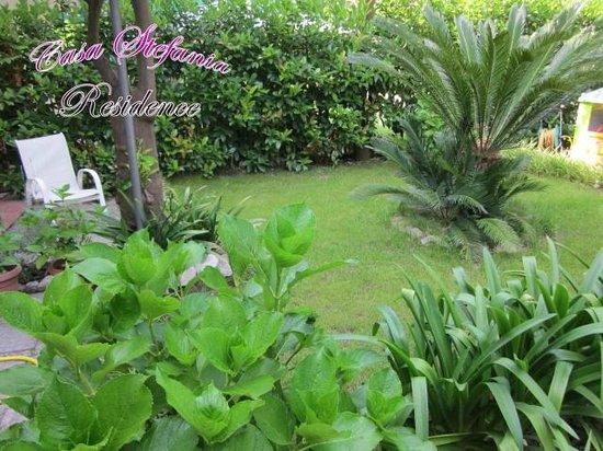 Casa Stefania Residence: Giardino