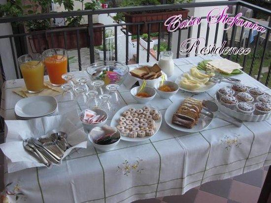 Casa Stefania Residence: Breakfast