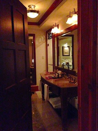 Hotel Quintessence : The powder room