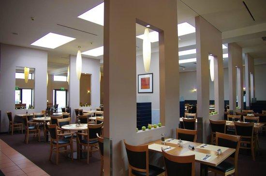 IntercityHotel Frankfurt Airport : Restaurant