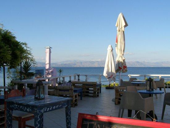 Hotel Avra: The Tavern