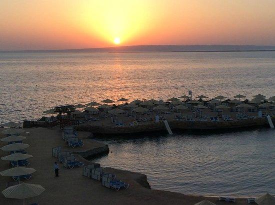 SUNRISE Holidays Resort: sunset