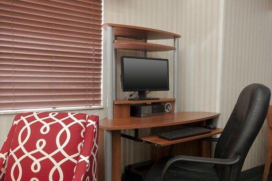Fairfield Inn St. Louis Fairview Heights: Business Center