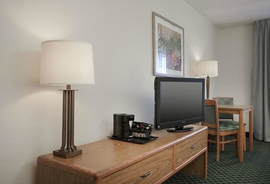 "Fairfield Inn St. Louis Fairview Heights: 32"" Flat Panel TV"