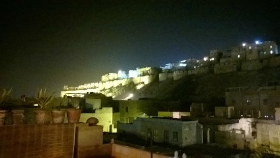 Hotel Shahi Palace: View from Rooftop Restaurant