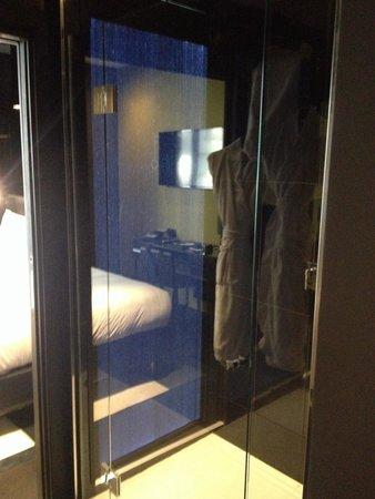 Hotel Felicien by Elegancia: Douche étage black