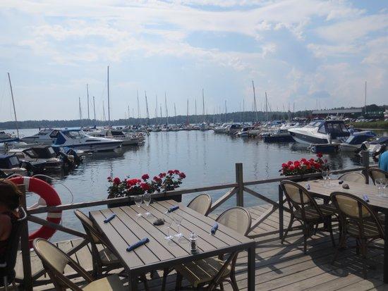 Sjokrogen: Zeer rustig havenrestaurantje