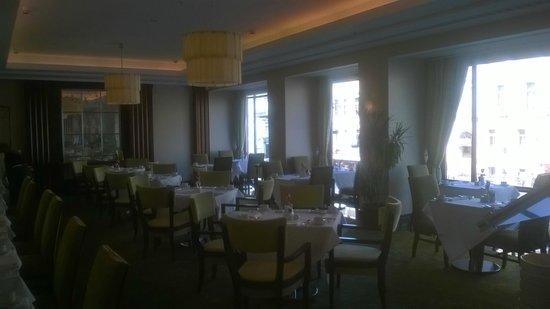 Corinthia Hotel St. Petersburg: ресторан