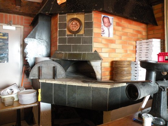 Le Cellier : The pizza oven