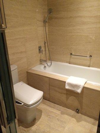 Four Points By Sheraton Yangzhou Hanjiang : Bath - Room 510
