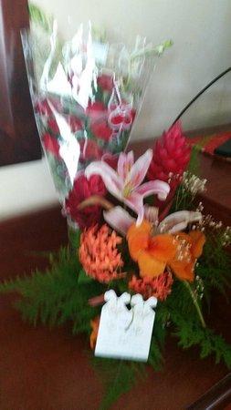 Paradisus Rio de Oro Resort & Spa: Beautiful Birthday Flowers from the Staff