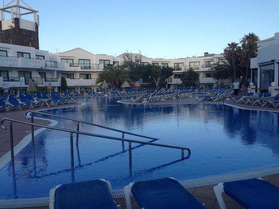 Be Live Experience Lanzarote Beach: la piscina