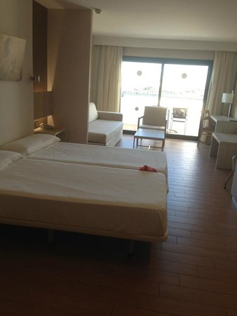 Be Live Experience Lanzarote Beach: habitación