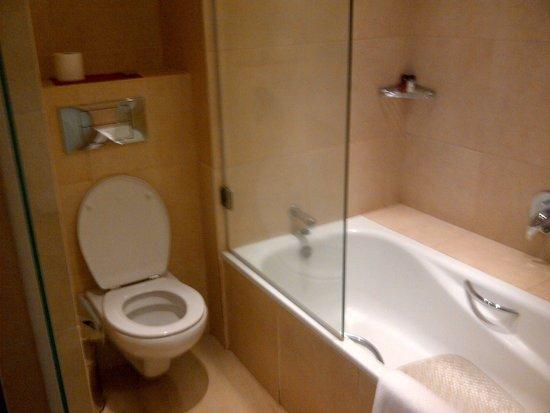 Ole Sereni : bathroom