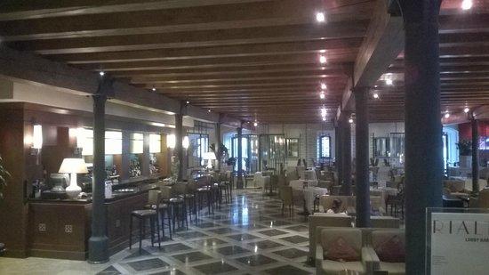 Hilton Molino Stucky Venice Hotel: лобби