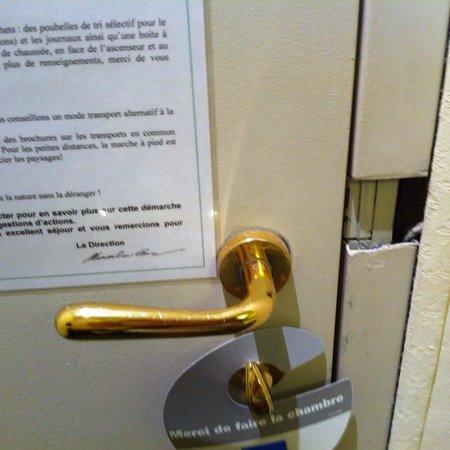 Hotel Olympia : Porta rotta