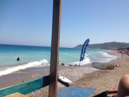Amathus Beach Hotel Rhodes: Well equipped surfing school.