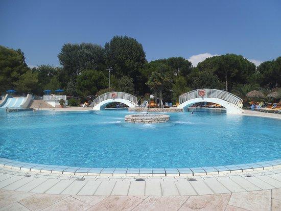 Camping Village Pino Mare : piscina