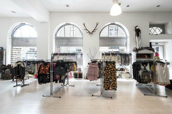 Szputnyik Shop: -
