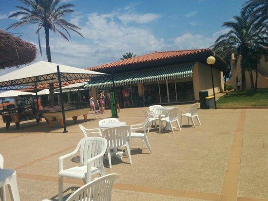PortBlue Las Palmeras: Queue for the Cafe???