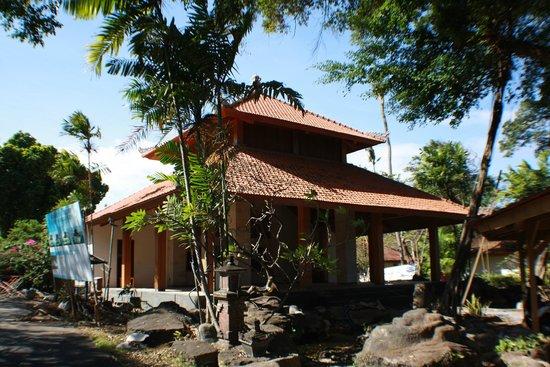 Inna Grand Bali Beach Hotel : coffee shop should be ready by november 2014