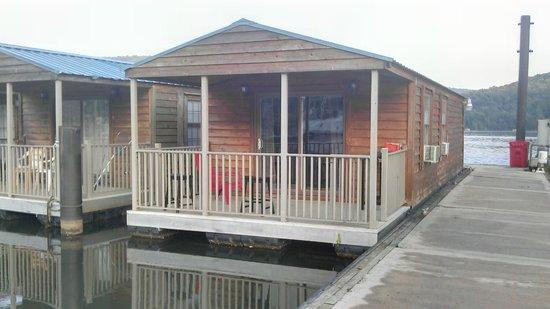 Hales Bar U0026 Marina Resort: Cabin #1