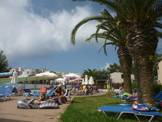 Aquis Sandy Beach Resort: Vue de la piscine