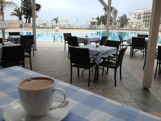Odessa Beach Hotel: Breakfast time
