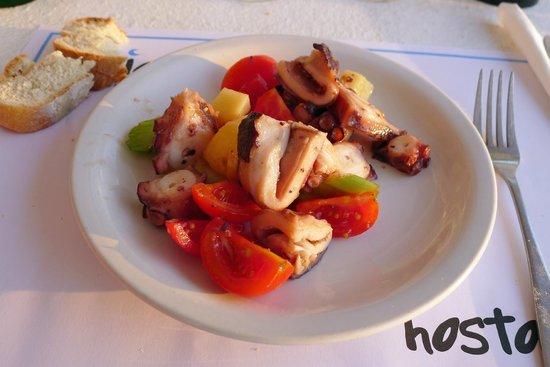 Hostatria Ristorante Italiano: Polpo con patate e pomodorini