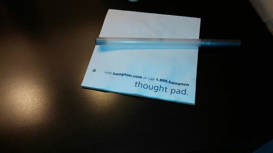 Hampton Inn New Albany: Wrinkled up note pads