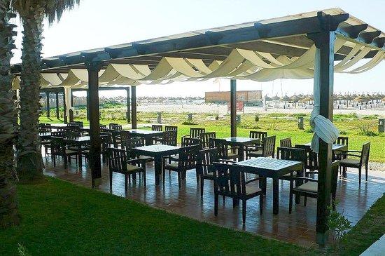 Eden Village Yadis Hammamet : Tunisia: ristorante sulla spiaggia