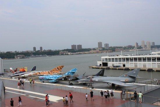 Intrepid Sea, Air & Space Museum: Aviões