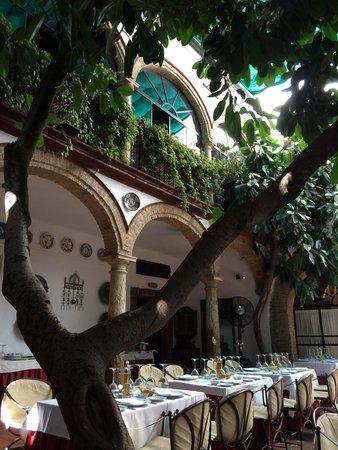 Restaurante Casa Palacio Bandolero: Patio