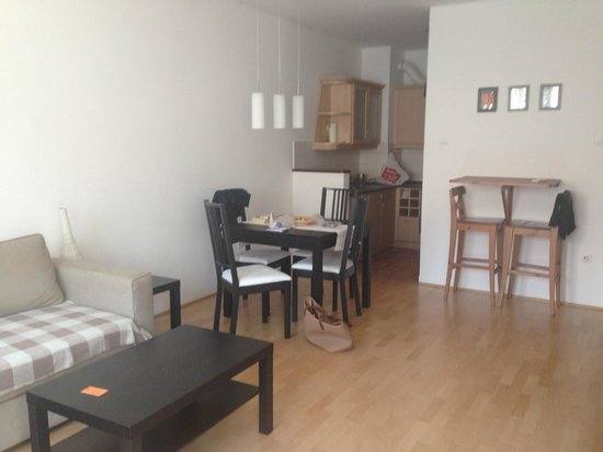 InnerCity Apartments: One bedroom apartment
