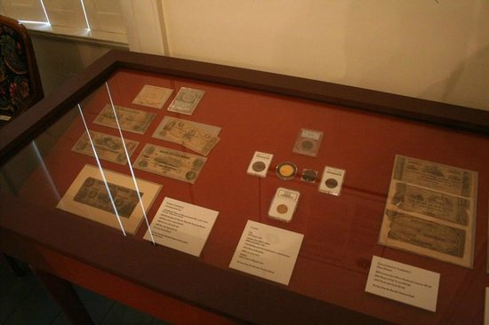 HIstoric Beverly John Cabot House : Currecy and Coins used in Beverly