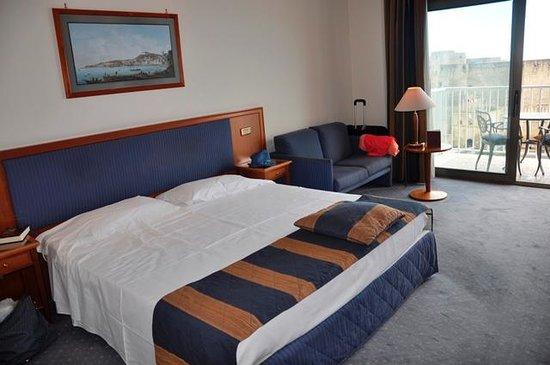 Royal Continental Hotel : Wystrój pokoju