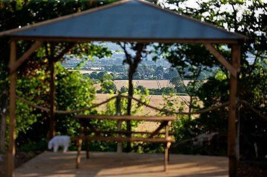 Kits Coty Glamping: Outdoor gazebo for alfresco dining