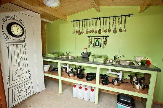 Kits Coty Glamping: Communal Washing up area