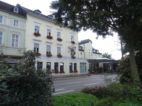 Hotel Deutscher Hof: Main entrance