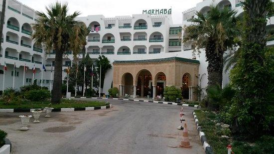 Marhaba Beach Hotel: front of hotel
