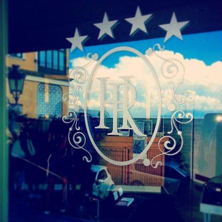 Hotel Regina Sorrento: Hotel Regina's door
