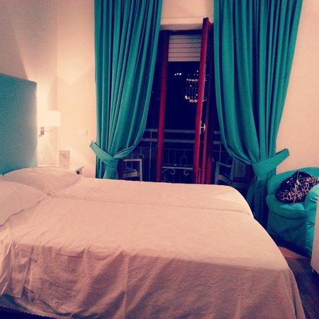 Hotel Regina Sorrento: Gorgeous bedroom
