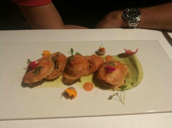 Bailara Restaurant: Crujiente de langostinos con aguacate