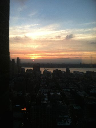 New York Marriott Marquis: beautiful sunsets looking at the Hudson