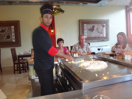 TRS Turquesa Hotel: The Japanese reataurant where the not only cook for you,but entertain you