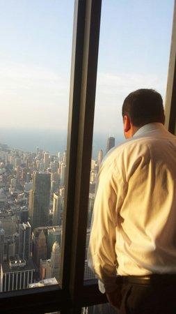 Skydeck Chicago - Willis Tower : Bueller moment