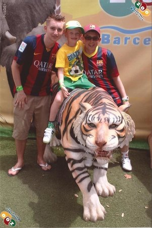 Zoo de Barcelona: Alex, Ciaran and Rhys at Barcelona Zoo.