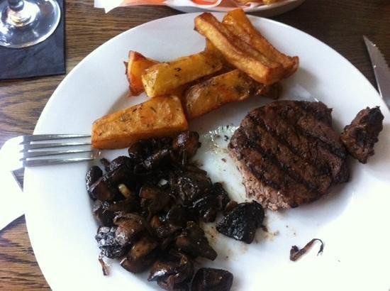 The Lock and Key Restaurant: Steak