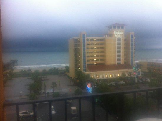 Aqua Beach Inn: View from bed